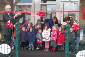Pool Pre-School Group celebrates opening of new play canopy